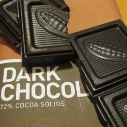Eating dark chocolate is good for health (Photo: Boz Bros)